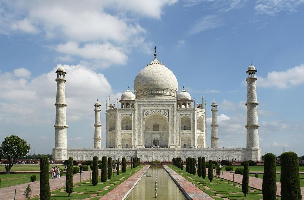 Taj_Mahal_(Edited).jpeg