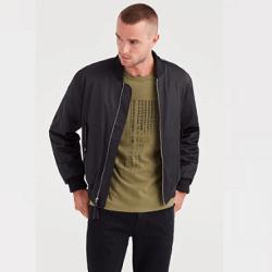 男性用デニム、シャツ、プルオーバー、スウェット、ティー、ジャケットなどのセール商品を最大で45%節約できます。