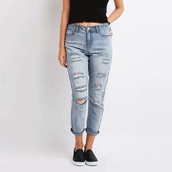 Sparen Sie bis zu 70% bei Jeans bei Charlotte Russe. Tolle Angebote für Röhrenjeans, Jeans mit weitem Bein, Jeans mit weitem Bein, Jeans mit hoher Taille und Jeans für Mütter.