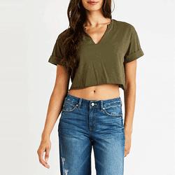 Sparen Sie bis zu 40% bei Tops, Cardigans, T-Shirts, Blusen und Erntetops bei Charlotte Russe. Tolle Angebote für Croptops, grafische T-Shirts.