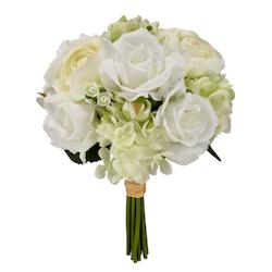 マイケルズで花飾りや工芸品を最大60%割引。 季節のフローラル、グリーン、花瓶のお買い得品。