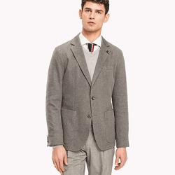 ประหยัดได้ถึง 35% ชุดสูทและเสื้อคลุมชายที่ Tommy Hilfiger ข้อเสนอสุดพิเศษสำหรับเสื้อขนแกะเสื้อผอมบาง
