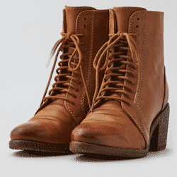Save up to 60% off women's boots and booties at American Eagle