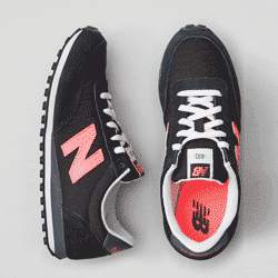 Sparen Sie bis zu 60% bei den Damen Sneakers bei American Eagle