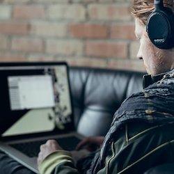 Kostenlose Testversion von Pluralsight - Mit der kostenlosen Testversion von Pluralsight, die mit einem ihrer Pläne angeboten wird, erhalten Sie 10 Tage und 200 Minuten Zeit zum Anzeigen.