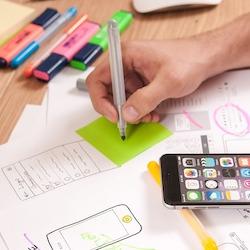 Wählen Sie aus Tausenden von kostenlosen Online-Kreativkursen zu Themen wie Grafikdesign, Animation, Fotografie und mehr.