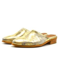 ประหยัดรองเท้าผู้หญิงได้ถึง 75% ที่ Sutro Footwear